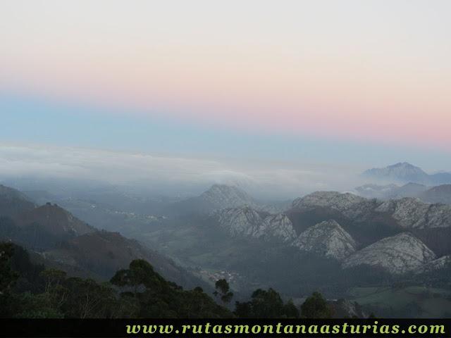Ruta Pienzu por Mirador Fito y Biescona: Niebla entrando por la costa