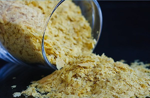 What are dietary yeast chips and their benefits?