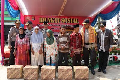 Polda Lampung Selenggarakan Bakti Sosial di Pasar Sukadana Lampung Timur