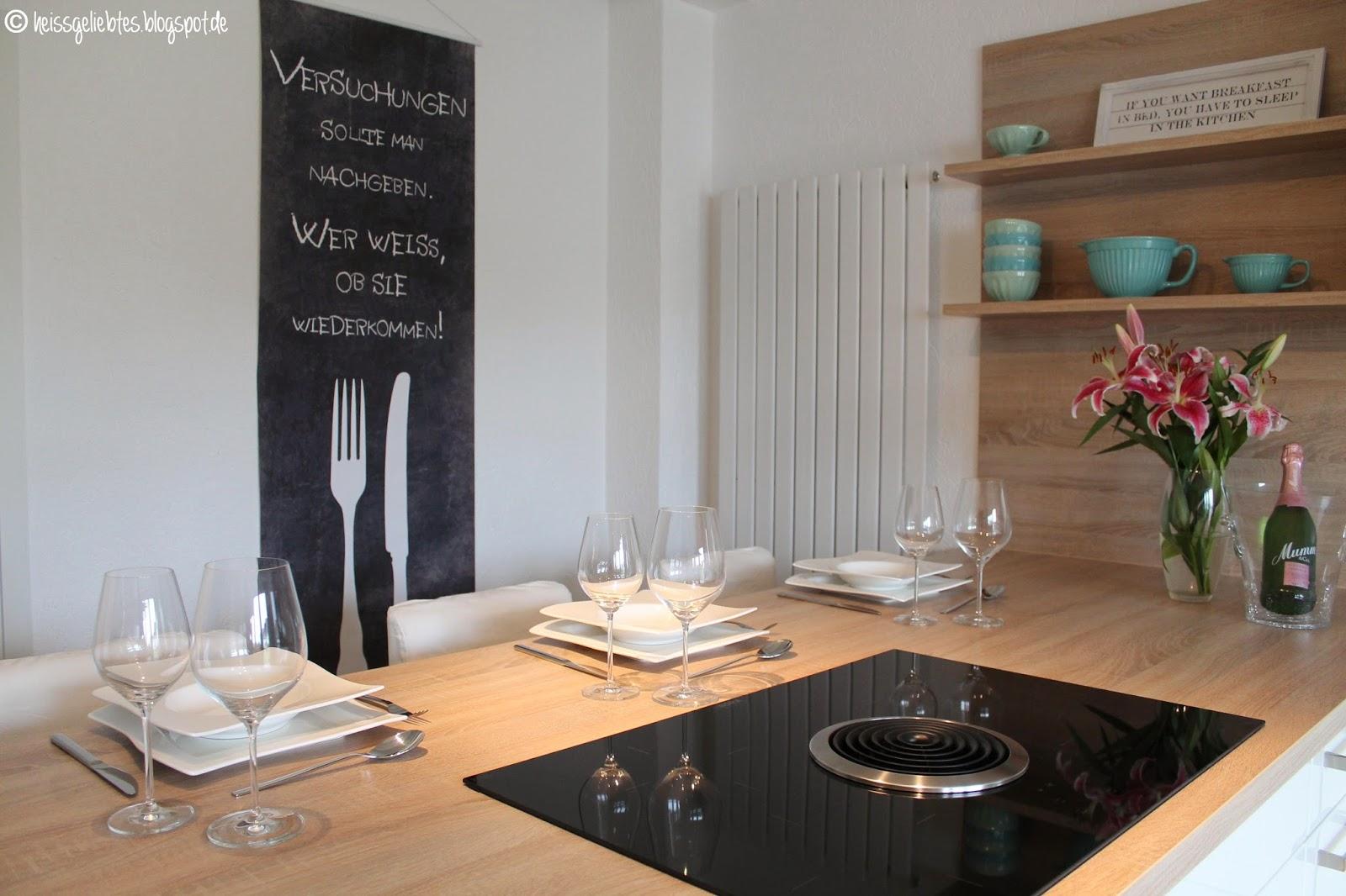 heissgeliebtes dreh und angelpunkt die k che. Black Bedroom Furniture Sets. Home Design Ideas