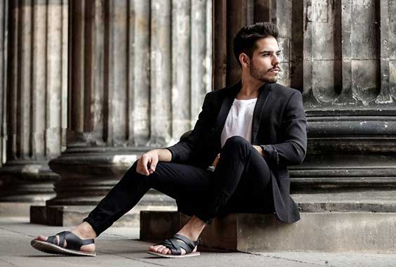 What To Wear With Men's Sandals (Style Guide 2021)