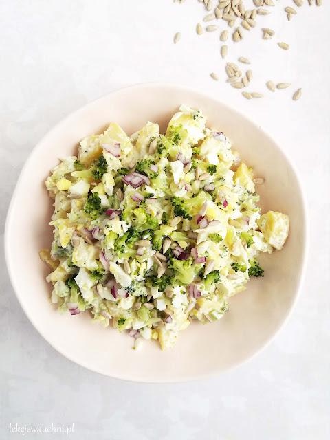 Sałatka ziemniaczana z brokułem przepis