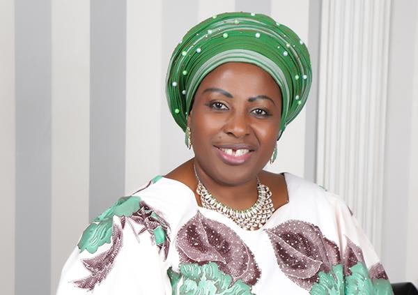 Princess Kemi Adesanya-Eboda donates Items to Atiku Support group