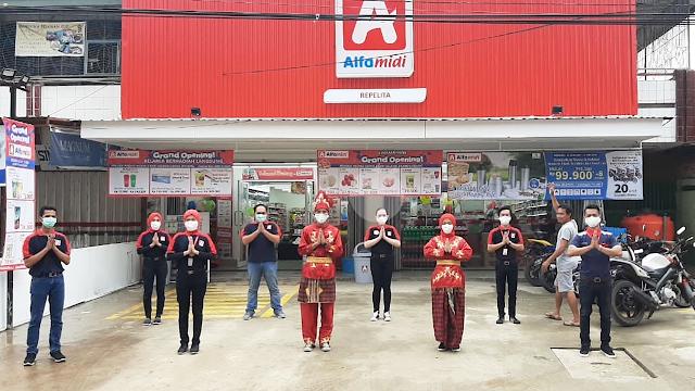 Lowongan Kerja Resepsionis PT Midi Utama Indonesia Tbk (Alfamidi) Branch Bitung Tangerang