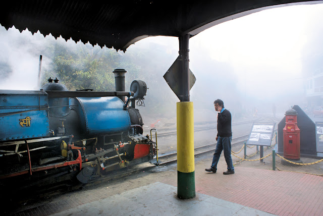 Tea Tracks - Vintage Train Route To Darjeeling
