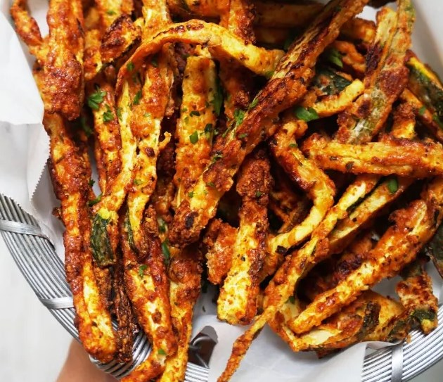 CRISPY BAKED KETO ZUCCHINI FRIES #healthy #lowcarb