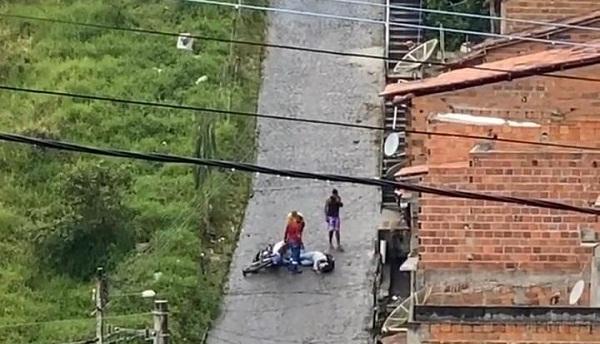 Santo Antônio de Jesus: Moto derrapa na Ladeira do Milagroso  