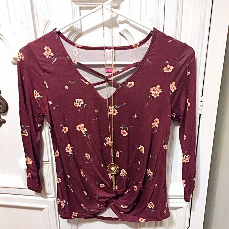 Walmart No Boundaries floral faux tuck shirt