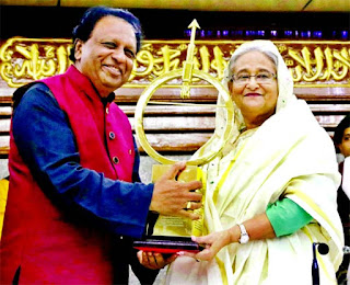 2- Bangladesh PM Sheikh Hasina receives Dr Kalam Smriti International Excellence Award
