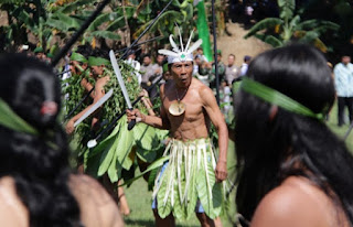 tari perang suku enggano