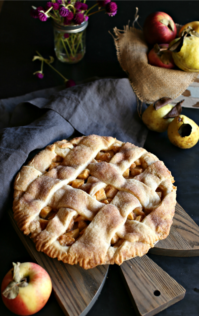 Pear-and-Apple-Autumn-Pie
