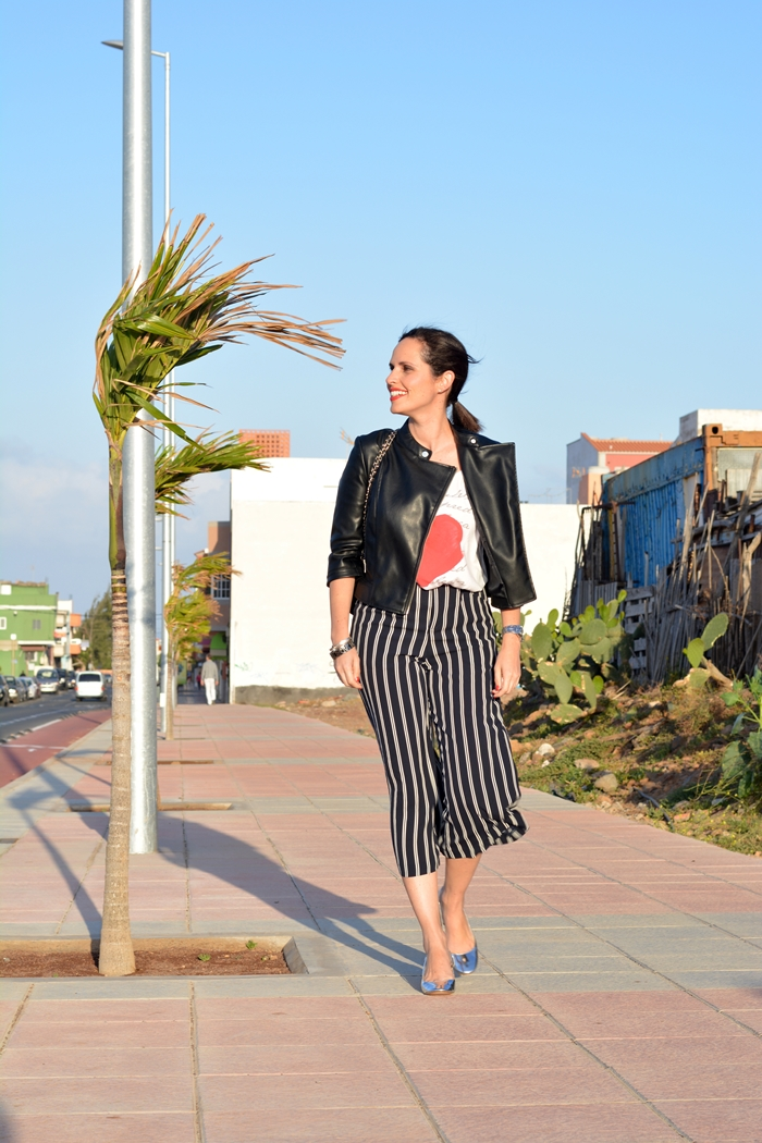 zara-silver-shoes-striped-culottes-outfit-street-style