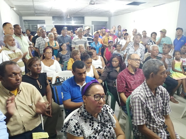 Parte de Asistentes a reunion motivación visita de Leonel Fernandez a circunscripcion 2 Santo Domingo Este
