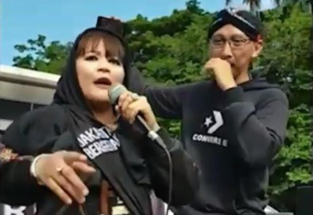 Dewi Tanjung Nasehati Ustadz Abdul Somad