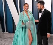John Legend y Chrissy Teigen a la espera de su tercer hijo