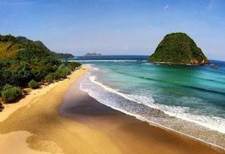 http://www.teluklove.com/2016/09/keindahan-pantai-pulau-merah-banyuwangi.html