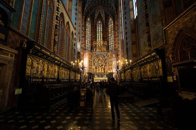interno Basilica di Santa Maria-Rynek Glowny-Cracovia