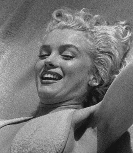 marilyn monroe working out at the bel air hotel in 1953 vintage everyday. Black Bedroom Furniture Sets. Home Design Ideas