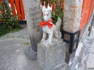 三郷橋稲荷神社狛犬