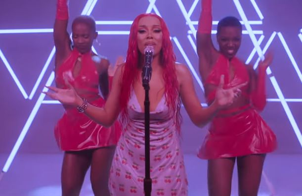 Doja Cat Performs VIRAL Tik Tok Songs 'Say So' & 'Juicy' + EXCLUSIVE Interviews | MTV Push