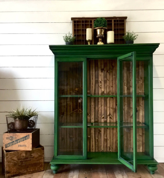 CREATIVE WAYS TO REPURPOSE OLD BOOKCASE AND SHELVING