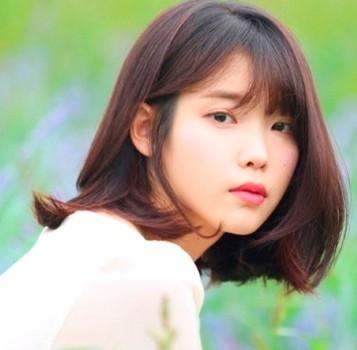 Gaya rambut pendek sebahu ala wanita korea