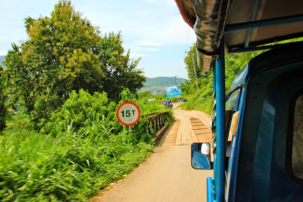 Tuk- tuk to the Kuang Si Falls
