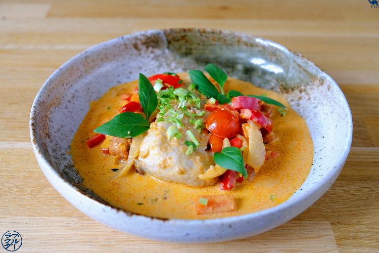 Le Chameau Bleu - Recette d'un cabillaud à la pâte de curry - lait de coco et citron