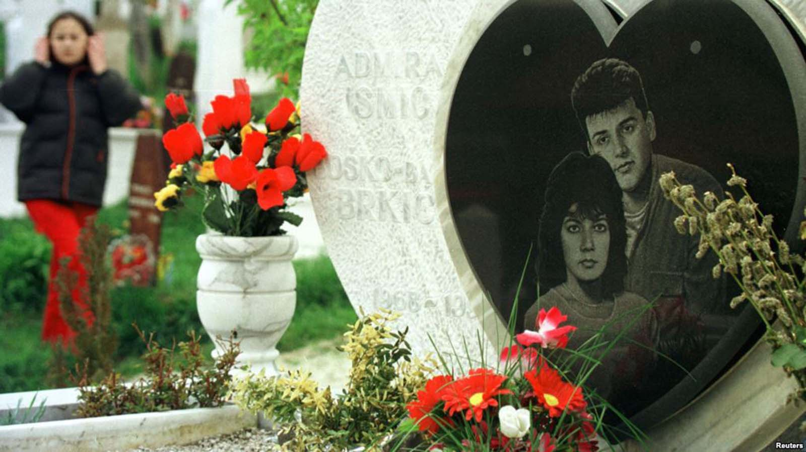 The gravestone of Admira Ismic and Bosko Brkic at Sarajevo's Lion Cemetery.