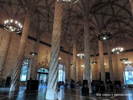 Salón Columnario, la lonja de la seda, Valencia