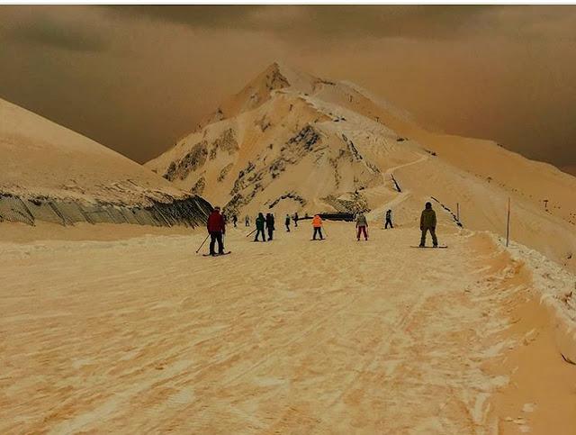 Tidak Hanya Rusia, 4 Negara Ini Juga Turun Salju Berwarna Oranye