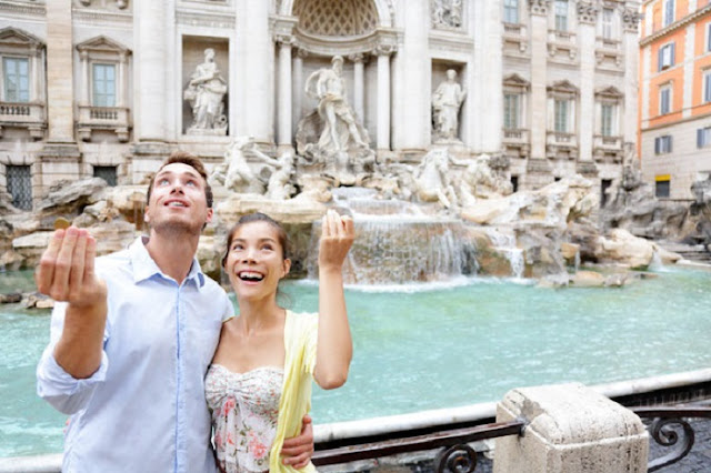 Turistas em Roma