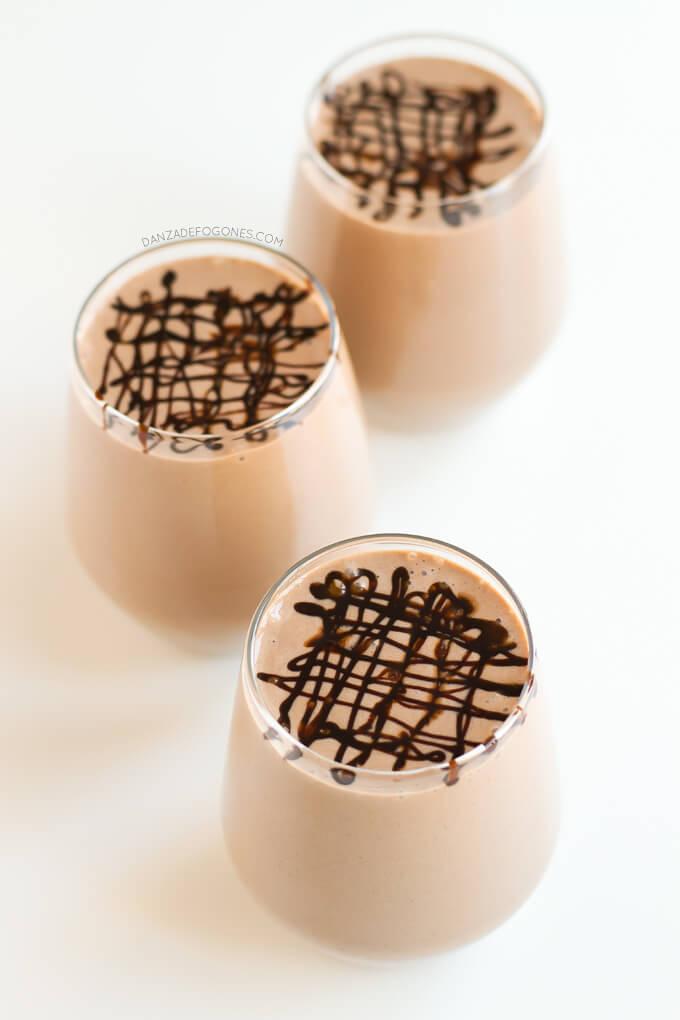Vegan Chocolate Shake | danceofstoves.com