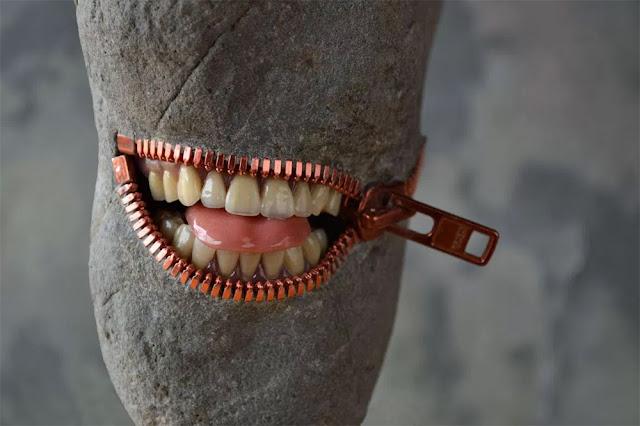 チャックがついた歯が生えた石?伊藤博敏の不思議なストーンアート【a】