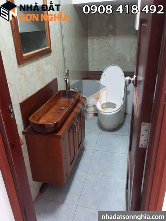 17 toilet