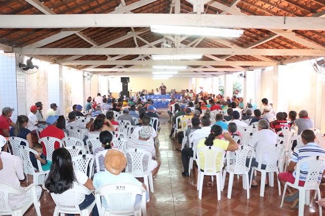 Sindicato Rural de Elesbão Veloso promove reunião e oferece café da manhã e sorteia brindes para pais presentes em assembleia. Veja fotos