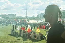 Mais violência em Brasilia sobre os trabalhadores.
