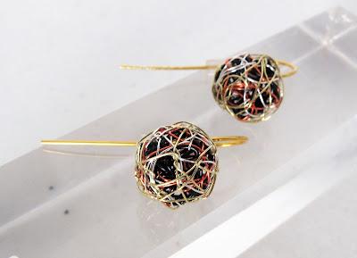 Solid yellow gold drop earrings, ball earrings