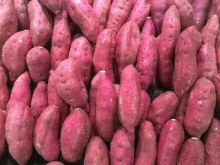 Apa Saja Manfaat Ubi Bagi Kesehatan Tubuh Manusia? 1️. Sumber vitamin C dan vitamin A, 2️. Mengandung banyak nutrisi, 3️. Sumber Antioksidan, 4️. Sebagai zat antiinflamasi, 5️. Tidak menyebabkan gula darah tinggi, 6️. Dapat mengatur tekanan darah, 7️. Bisa membantu menurunkan berat badan, 8. Sumber pottasium dan 9. Sumber magnesium