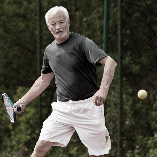 Người chơi tennis sống thọ nhất