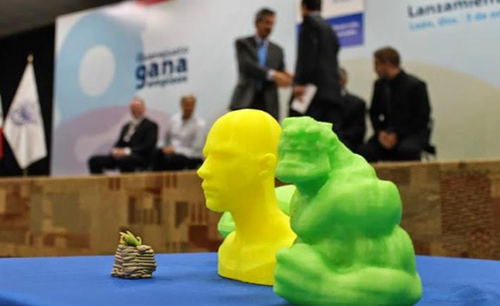 La impresora 3D desarrollada por MakerMex permite imprimir madera, plástico, pasta, entre otros materiales. (Foto: Gobierno de Guanajuato y MakerMex)