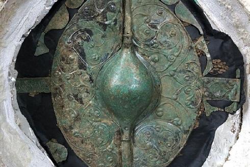 Un bouclier celtique exceptionnel découvert en Angleterre