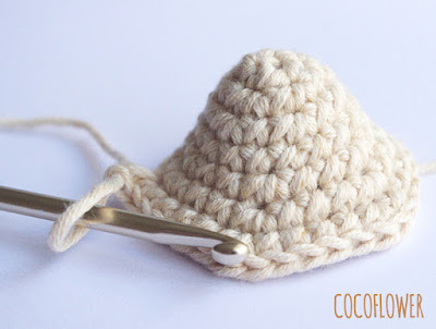 Easter Chicken tutorial  - Free DIY by CocoFlower - Crocheted Hen