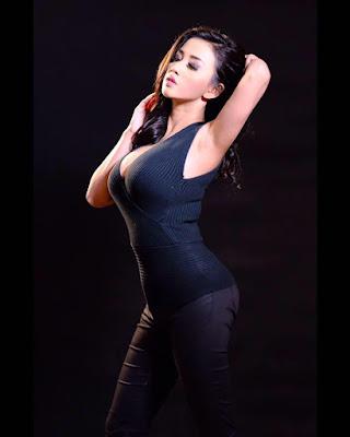 Chahcy Luna Callista bentuk tubuh indah dan seksi sintal