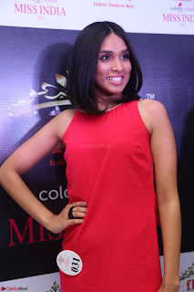 Spatika Surapaneni in Red Tight Dress at FBB Miss India 2017 finalists at Telangana auditions Feb 2017 (24).JPG