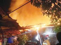 Ditinggal Pemiliknya, Sebuah Rumah di Purwakarta Hangus Terbakar