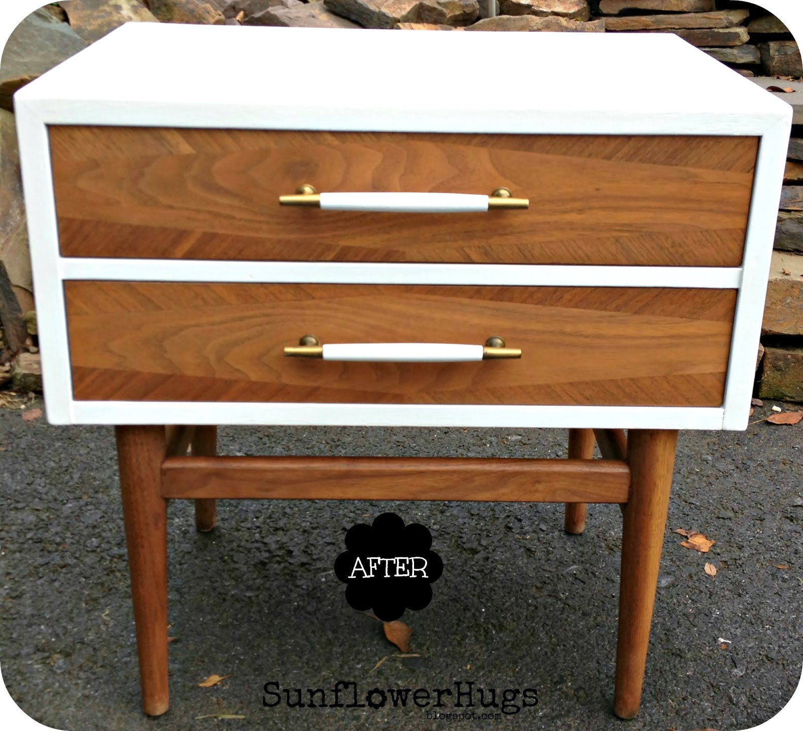 I Coated The Drawers And Legs With Annie Sloan Dark Wax Mixed Paint Thinner Love Color They Became