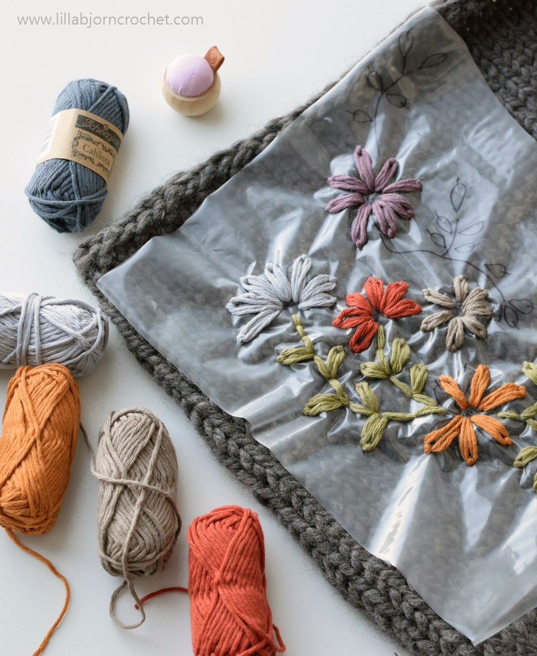 How to embroider on knit and crochet