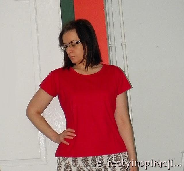 czerwony t-shirt, bluzka z krókim rękawem, jak uszyć, czerwona dzianina, e-fectyinspiracji