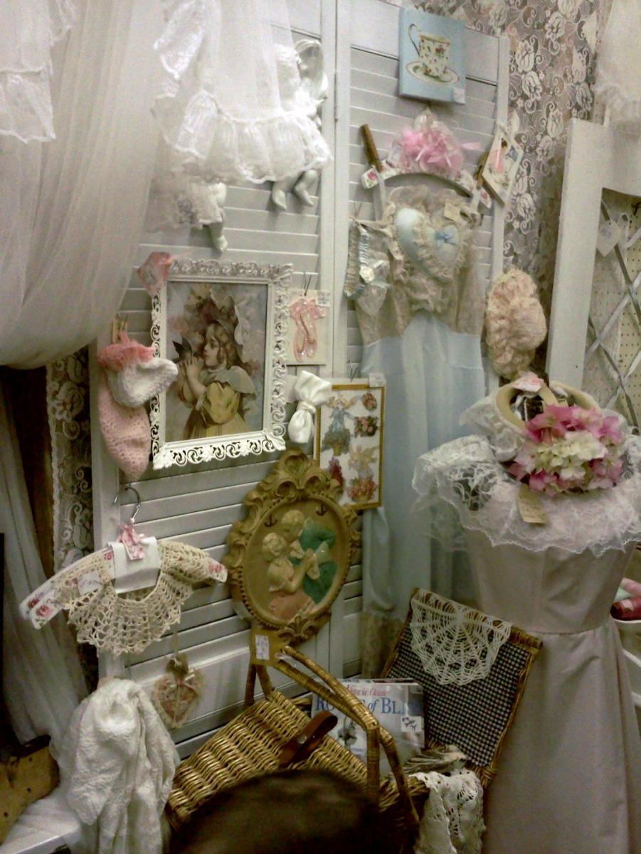 Flea Market Home Decor: Olivia's Romantic Home: What Sells In My Shabby Flea